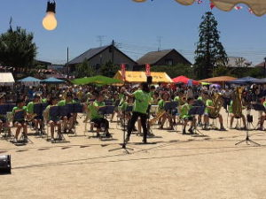 勝田台夏祭りグランドで演奏