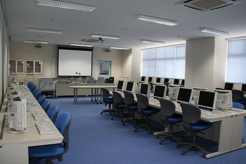 写真:パソコン室2