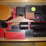 算数資料 積み木赤と黒