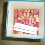 小さなピンクの四角