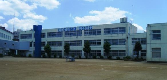 八千代小学校の校舎