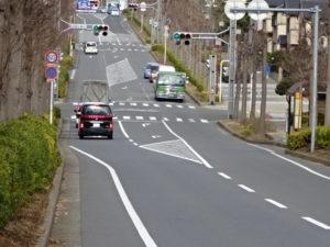 萱田中学校前交差点