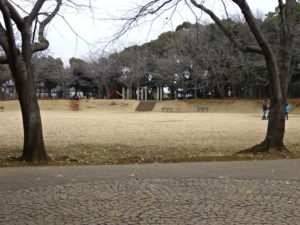 学校近くの飯綱公園