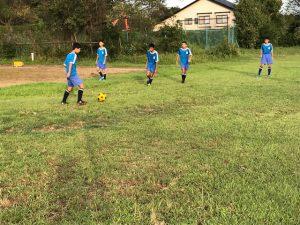 サッカー部は,パスの練習を行っていました。一人ひとりが必死にボールを追っています。この調子で,新人戦に向けて頑張れ!