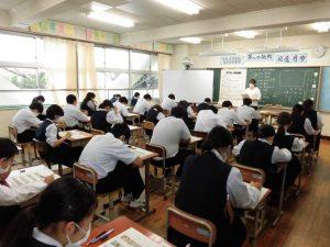 テストは国語・数学・英語でした。勉強したところは書けたかな?
