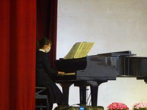 答辞のBGMは卒業生によるピアノ演奏「僕のこと」でした。